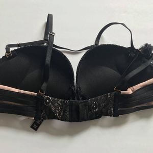a7092e1804 Victoria s Secret Intimates   Sleepwear - Victoria s Secret 34AA bombshell  pushup bra